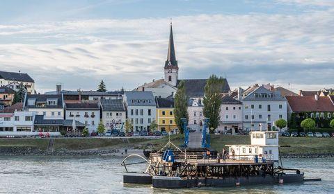 Donaugeschichten, Bier und Theaterkirche